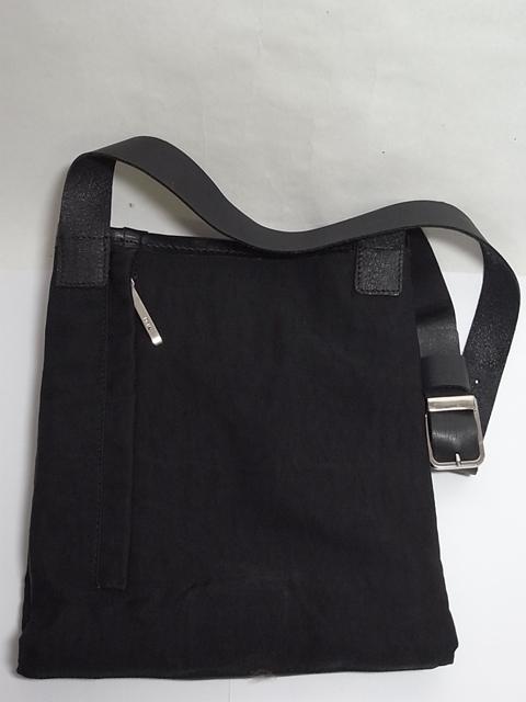 DKNY・黒革のナイロン ...